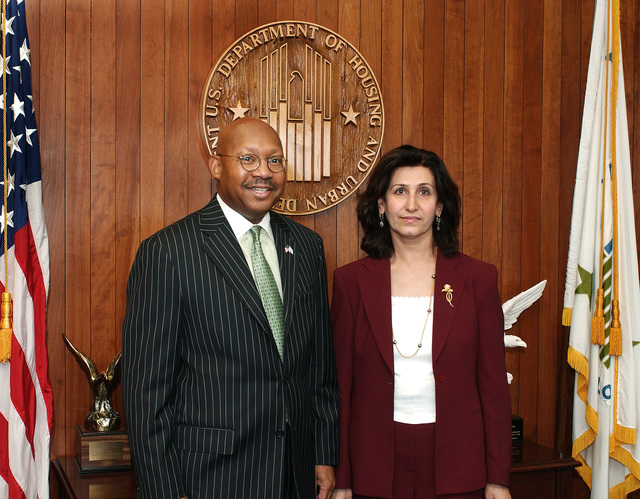 Iraq's Minister of Construction and Housing, Beyan Dezei, [and associates] meeting with Secretary Alphonso Jackson at HUD headquarters
