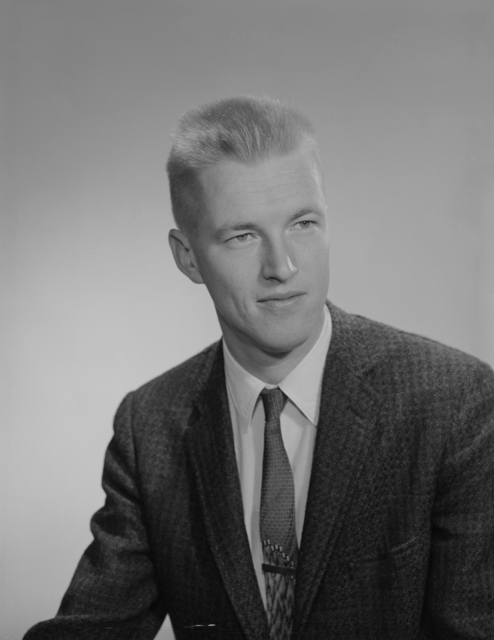 Lawrence Radiation Laboratory scientist John O. Rasmussen, senior staff member in Berkeley's Nuclear Chemistry Division and professor of chemistry,UC Berkeley, one of five U.S. nuclear scientists to receive the Ernest Orlando Lawrence Memorial Award for 1967. Morgue 1959-11 (P-1) [Photographer: Donald Cooksey]