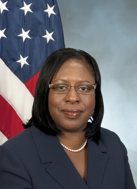 Official portait of Janie Payne, HUD Chief Human Capital Officer