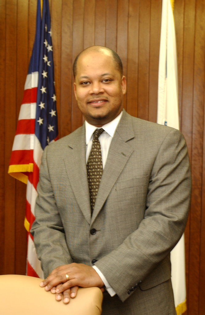 Portrait of Robert Woodson, Jr., Chief of Staff to Secretary Mel Martinez