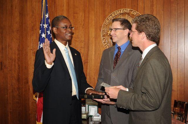 Swearing In ceremony for Raphael Bostic, Assistant Secretary for Policy Development and Research, [with Secretary Shaun Donovan presiding]