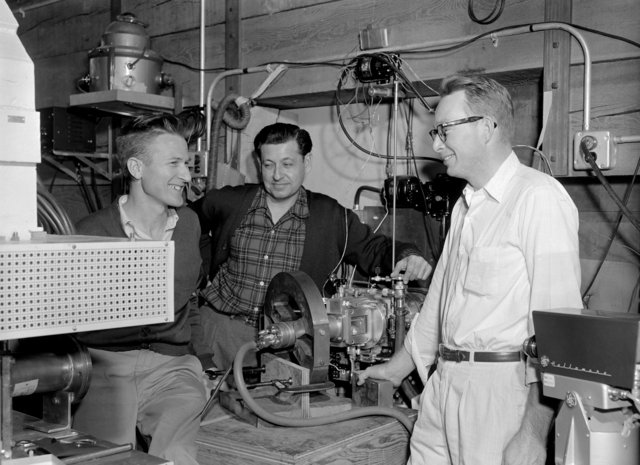 Tjorborn Sikkeland, Albert Ghiorso, and Robert Main at the Heavy-ion Linear Accelerator (Hilac). Morgue 1957-13 (P-2) [Photographer: Donald Cooksey]