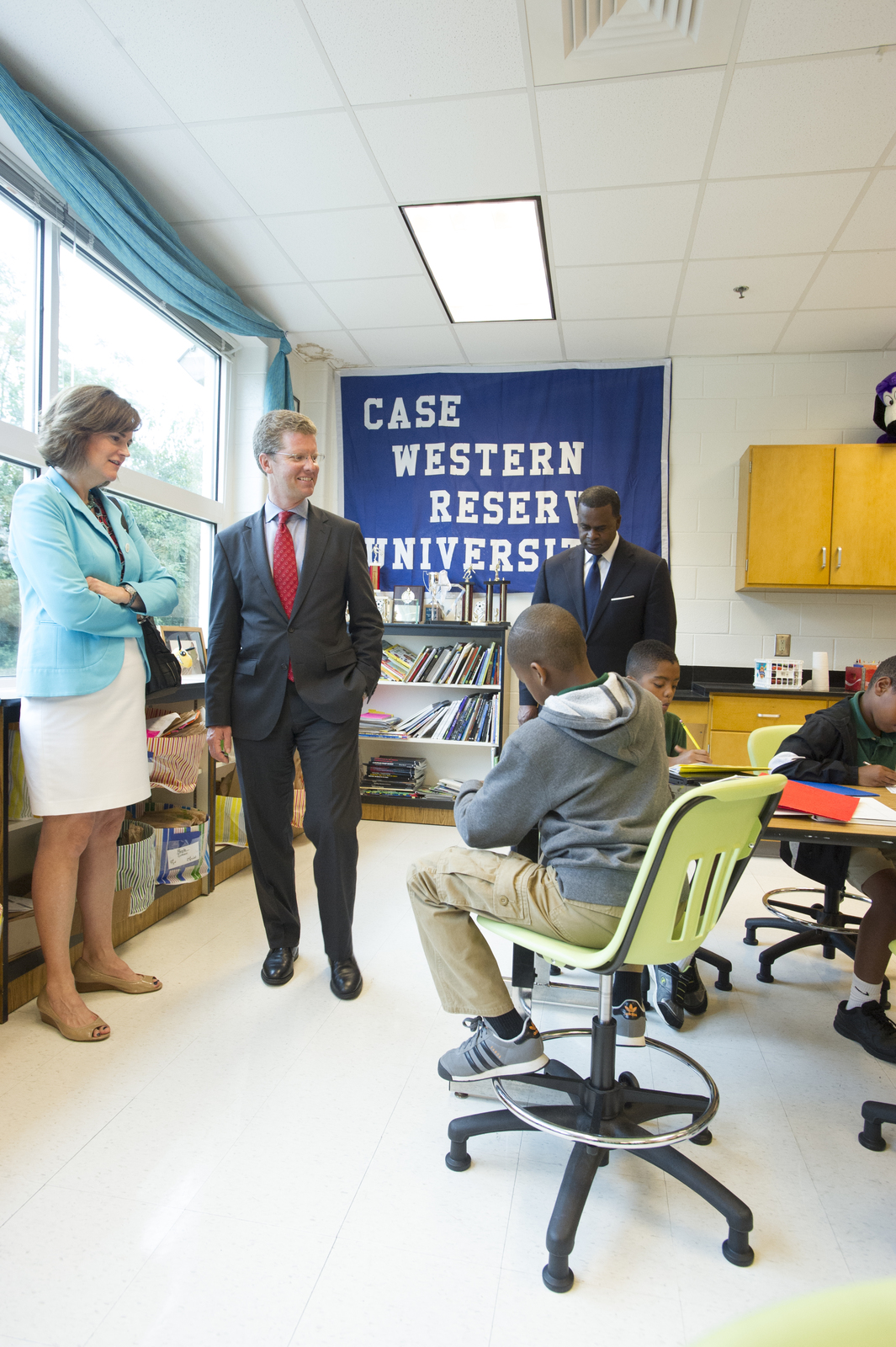 Visit of Secretary Shaun Donovan to Atlanta, Georgia for tour of the [redeveloped] East Lake neighborhood [and the Charles Drew Charter School.  Joining Secretary Donovan on the visit were Atlanta Mayor Kasim Reed;  HUD Region IV (Southeast) Administrator Ed Jennings, Jr.;  Carol Naughton, Lillian Giornelli, and Greg Giornelli of Purpose Built Communities;  and Daniel Shoy of the East Lake Foundation, among others.]