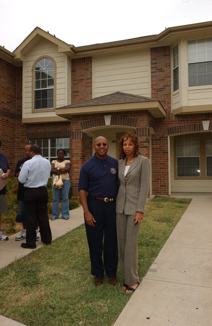 Hurricane Katrina [evacuees],  Dallas, Texas. [Visit of Secretary Alphonso Jackson and aides to Dallas, where they met with local housing officials and Katrina evacuees, and toured new homes for families displaced by the disaster.]