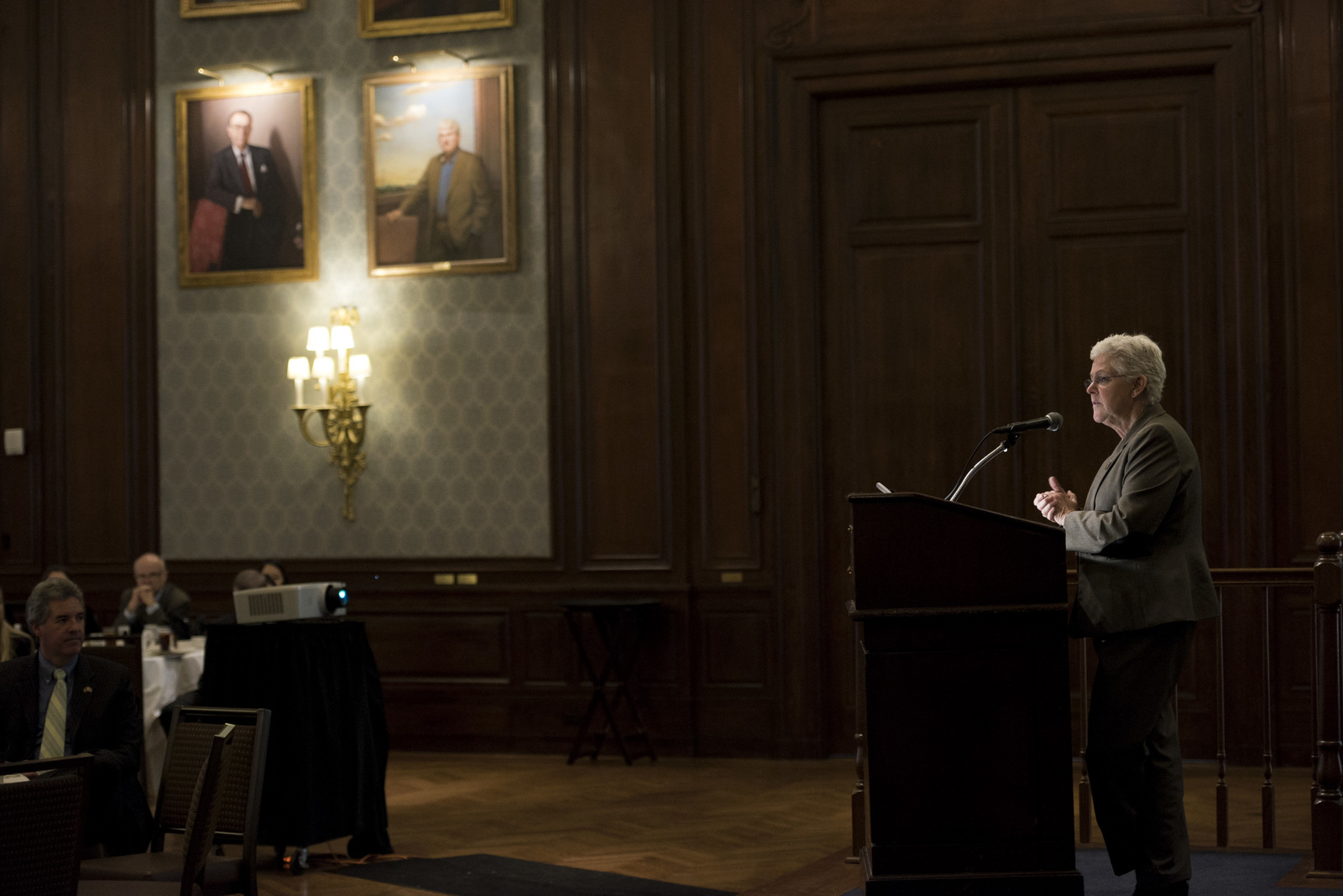 Office of the Administrator - Philadelphia - Administrator Gina McCarthy visiting the Food Lab at Drexel University [412-APD-1265-2014-11-14_Philadelphia_034.jpg]
