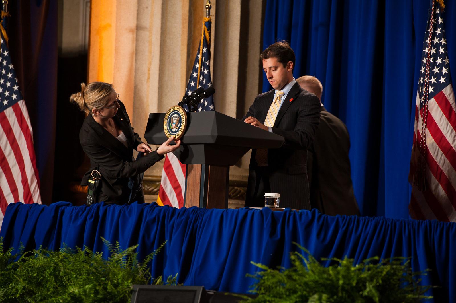 Office of the Administrator - President Obama [412-APD-1097-2012-12-10_PresidentObama_031.jpg]