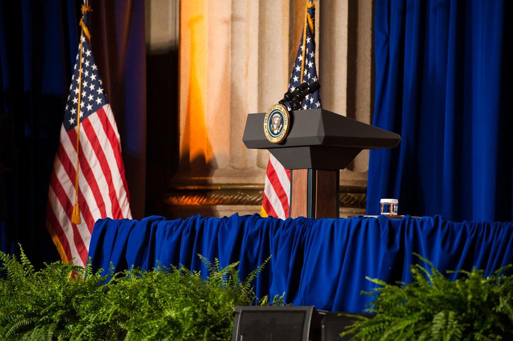 Office of the Administrator - President Obama [412-APD-1097-2012-12-10_PresidentObama_032.jpg]