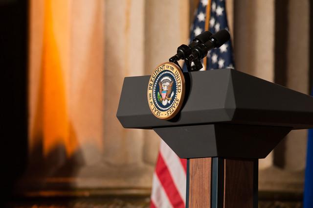 Office of the Administrator - President Obama [412-APD-1097-2012-12-10_PresidentObama_033.jpg]