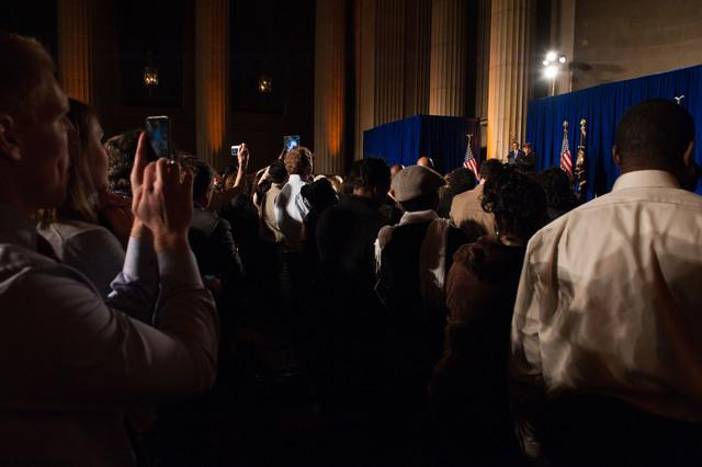 Office of the Administrator - President Obama [412-APD-1097-2012-12-10_PresidentObama_051.jpg]