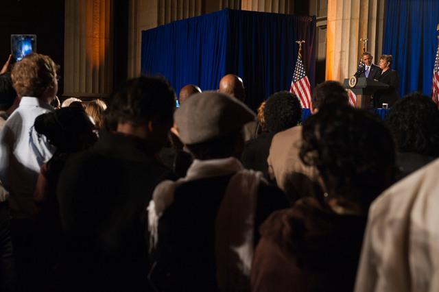 Office of the Administrator - President Obama [412-APD-1097-2012-12-10_PresidentObama_052.jpg]