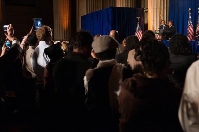 Office of the Administrator - President Obama [412-APD-1097-2012-12-10_PresidentObama_053.jpg]