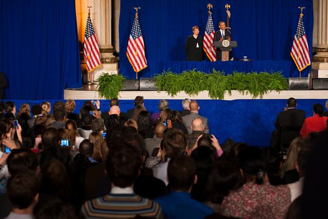 Office of the Administrator - President Obama [412-APD-1097-2012-12-10_PresidentObama_069.jpg]