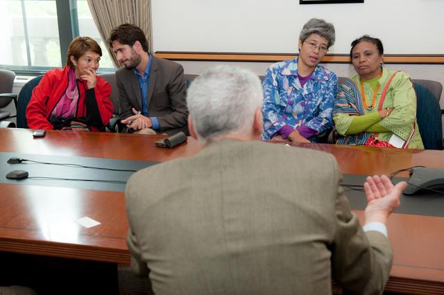 Office of the Deputy Administrator - Goldman Prize Recipients Meet with Senior EPA Officials [412-APD-1337-2013-04-19_GoldmanPrize_012.jpg]