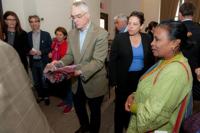 Office of the Deputy Administrator - Goldman Prize Recipients Meet with Senior EPA Officials [412-APD-1337-2013-04-19_GoldmanPrize_018.jpg]