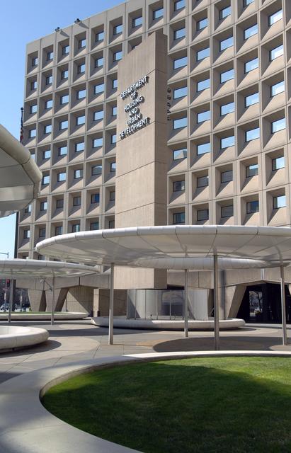 [Select views:]  Exterior,  HUD headquarters--Robert C. Weaver Federal Building, Washington, D.C.