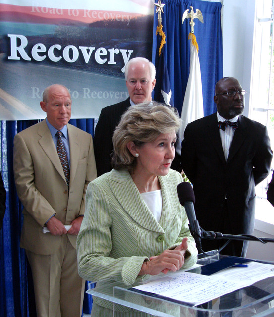 Visit of Secretary Alphonso Jackson and aides to Houston, Texas,  for meetings with HUD field staff and families,  tour of the El Centro de Corazon Clinic,  and official announcement of $428.7  million in federal funding to promote long-term hurricane recovery in Texas.  [Secretary Jackson was joined at the announcement by Texas Senators Kay Bailey Hutchison and John Cornyn, Texas Congresswoman Sheila Jackson Lee, Houston Mayor Bill White,  and Federal Coordinator for Gulf Coast Rebuilding Donald Powell, among other officials.]