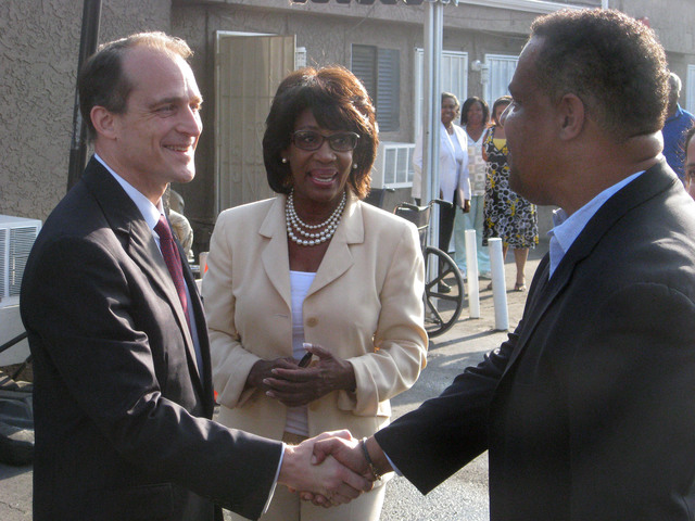 Visit of Secretary Steve Preston to Los Angeles,  California,  for touring with Congresswoman Maxine Waters,  events with city officials, and meeting with former Los Angeles Dodger manager Tommy Lasorda at Dodger Stadium