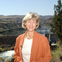 Secretary Gale Norton in vicinity of Pelton Reregulating Hydroelectric Dam in Warm Springs, Oregon, during her visit to participate in events marking a federal, tribal, corporate agreement concerning Deschutes River ecological protection and Portland General Electric hydroelectric facility relicensing